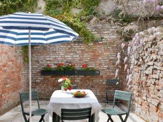 Apt avec cour au sein d'une maison Santa Croce VE, Veneza
