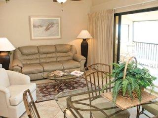 Casa Del Mar Resort - Poolside ... C14, Longboat Key