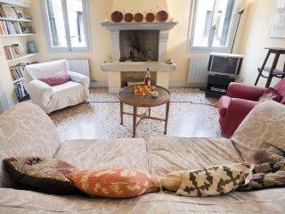 Belle maison spacieuse & agréable à Santa Croce VE, Venice