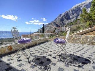 Avbl. 19.-26.08..! New luxury villa -great location! Value 4 money!Last minute!!