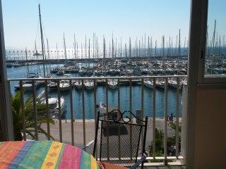 Superbe appartement pour 2 vue sur les iles d'Or