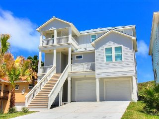 Brand New 4/3.5! Beachfront! BBQ Grill! WIFI!