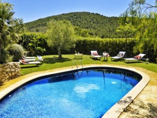 FARMHOUSE CAL SIMO, chill out, pool, BBQ,Beach. Sleeps 20. Sitges, Canyelles
