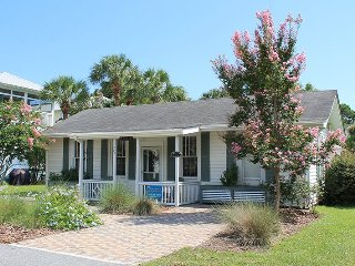 #403 13th Street - A Perfect Family Get-a-Way with Pool and Patio - FREE Wi-Fi, Tybee Island