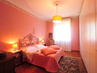 Comfortable apartment in Florence WI FI parking, Florencia