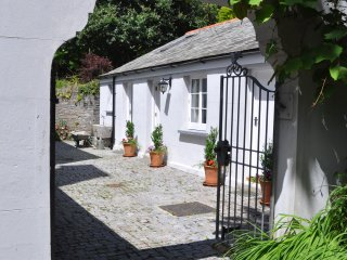 Secluded Retreat in the Heart of the Village., Calstock