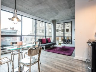 2 BEDROOM UNBEATABLE LOCATION MTL, Montreal