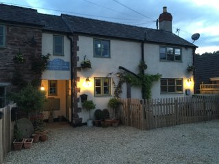 Christmas Cottage Two Bed Beautiful vintage style