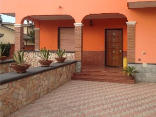 orange holiday villa, Torvaianica