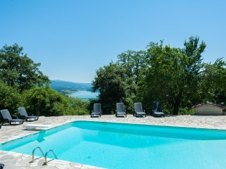 6 bedroom Tuscan farmhouse, pool and GREAT VIEWS, Caprese Michelangelo