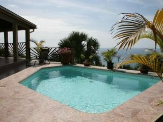 Fantasea Villa - 5 Bedroom Luxury Rental, Savanna La Mar