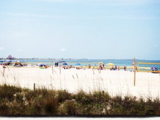 Take a break from holiday shopping at the beach!  Discounted December rates!