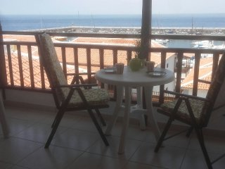 Penthouse Apartment WI/FI 1 bed (sleeps up to 4) / lift fabulous expansive views