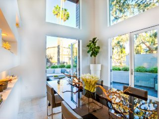 BEACH TOWNHOME 3 BEDROOM 2.5 BATH plus LOFT, Santa Monica
