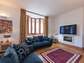 Luxury Town House with Garage, Edimburgo