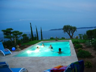 Villa CENTRAL - PANORAMIC SEA VIEWS - HEATED pool., Sainte-Maxime