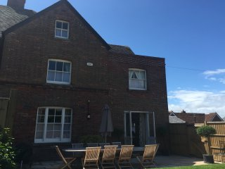 Listed 5 bedroomed townhouse Christchurch Dorset