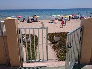 1ª Linea de Playa (Arenales del Sol) Apartamento.