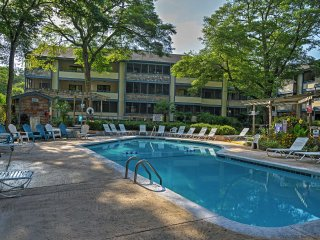 Updated Myrtle Beach Condo w/ 2 Community Pools!