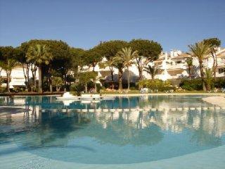 2 bedroom spacious apartment close to beach, Marbella