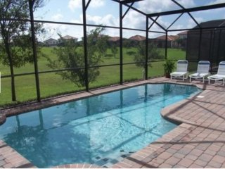 Disney 5 Bedroom 3 Bath Pool Home in Gated Community. 308SPL, Four Corners