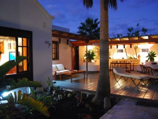 Luxurious Suite and garden by beach, Costa Teguise