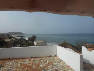 Plage à 20m, piscine écolo, vue panoramique océan, Popenguine