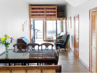 Family Friendly House Near the Beach - 2 Bedrooms, 2 Bathrooms - 5 Beds, San Francisco