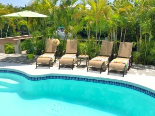 P27 Sunsplash Paradise - Pool home with private beach access!