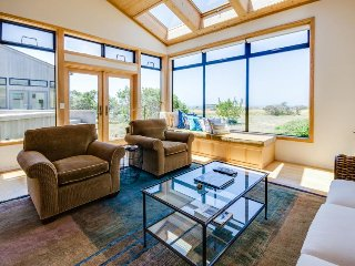 Ocean view dog-friendly home w/ private hot tub & shared pool