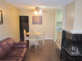 FULLY FURNISHED! JUST BRING YOUR SUITCASE!, Edmonton