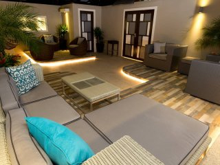 3. Luxury new modern next to the beach, Isabela