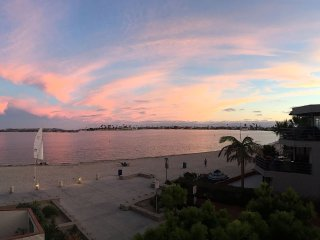 *** BEACH FRONT LIVING AT ITS BEST ***, San Diego