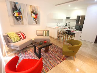LOW-RATES! Ideal for 4, only steps to the beach!, Playa del Carmen