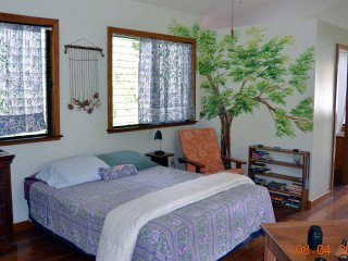 Self Catering Chalet Set In Sub Tropical Gardens, San Ignacio