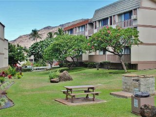 Beautiful 2BR Waianae Condo w/Private Lanai, Wifi & Complex Pool Access - Just 1 Mile to Makaha Surfing Beach & Close to Pokai Bay!