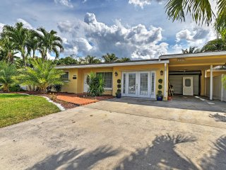 Picturesque 4BR Fort Lauderdale House w/Private Pool, Fishing Dock & Serene Backyard Oasis - Phenomenal Central Location! Just Minutes from the Beach!