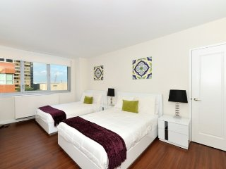 Murray Hill 4bdr 5beds 2baths Doorman Apt! # 8755, New York City