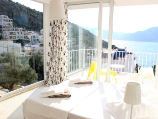 LUXURY VILLA OVERLOOKING KALKAN BAY