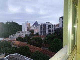 Excelente Apartamento em Laranjeiras