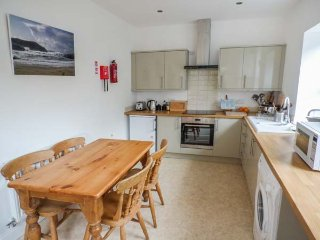 THE MAISONETTE, three-storey maisonette, close to beach and golf courses, WiFi, Lytham St Anne's, Ref 932331