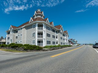 ZIMMB - Waterfront, Walk to Beach and Town, Oak Bluffs