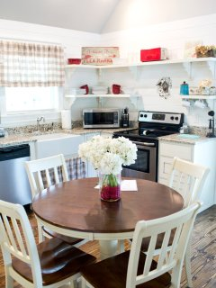 Open shelving in modern rustic farmhouse kitchen.  Arkansas Cottage rentals.  Vacation rentals