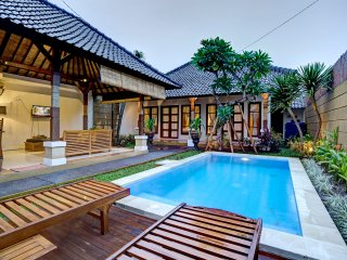 2 units 5 bedrooms pool villa in heart of seminyak, Seminyak