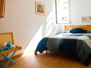 Charming, central and just renovated, best value!, Barcelona
