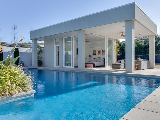PARINGA ROAD PORTSEA (P405269235)-BOOK NOW FOR SUMMER BEFORE YOU MISS OUT, Portsea