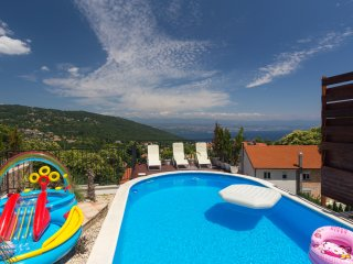 Spacious villa with swimming pool, Opatija