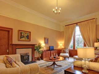Period home central for golf Holiday, Glenrothes