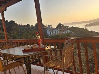 Villa Katerina, Skiathos Town
