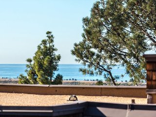 Escape to Beautiful Del Mar - 2 Bedroom, Oceanview Condo DM12925C